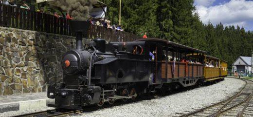 """Parnou lokomotívou """"Gontkulák"""" otvárame hlavnú sezónu na Oravskej lesnej železnici"""