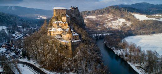 Zmena trasovania prehliadok Oravského hradu.
